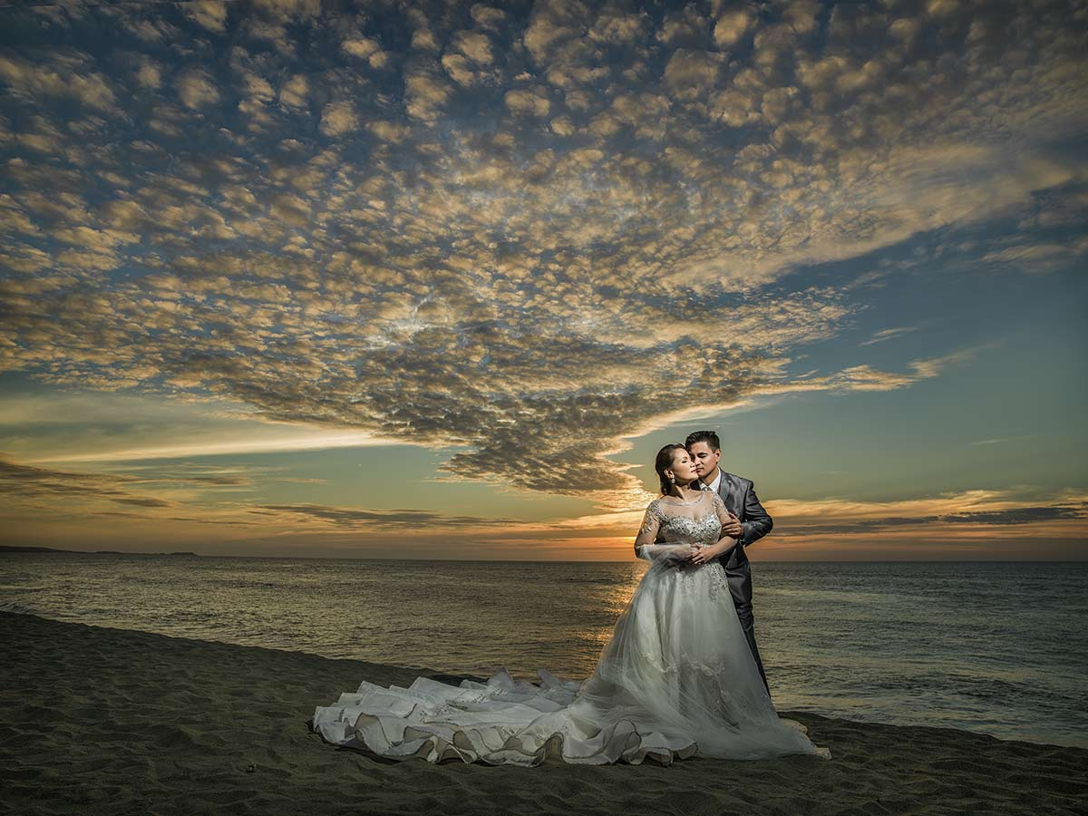 photography by Benjamin Young III in ilocos wedding sunset shoot