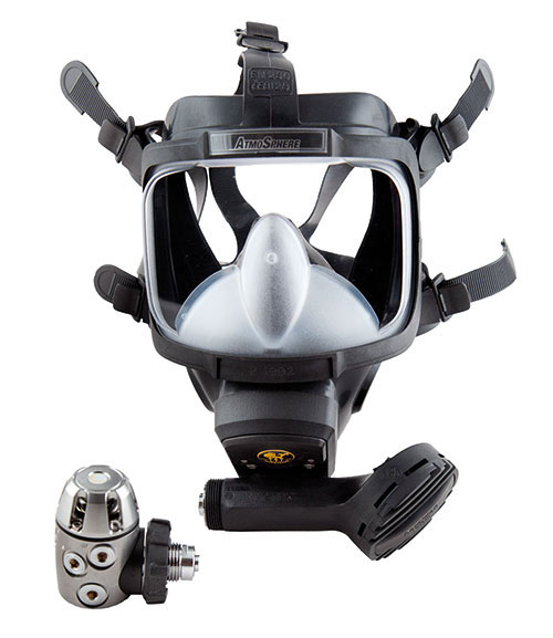 58bd0eb04 The perfectly fitting Atmosphere protects your face from the cold. Install  communication equipment to talk with your buddy during dives.