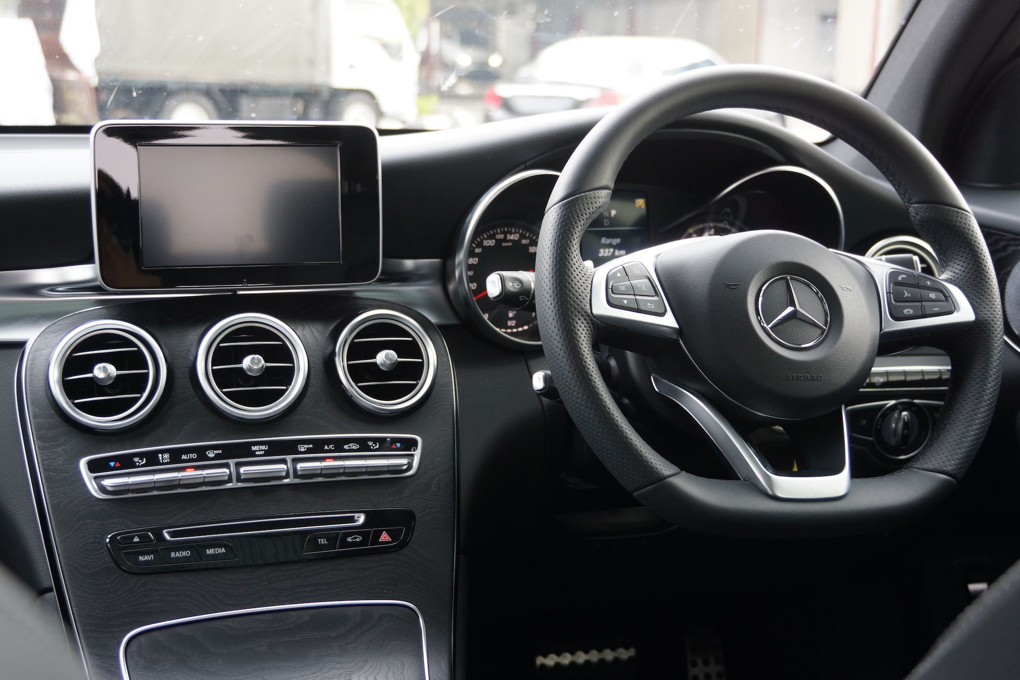 2016 Mercedes-Benz GLC 250 Malaysia Review