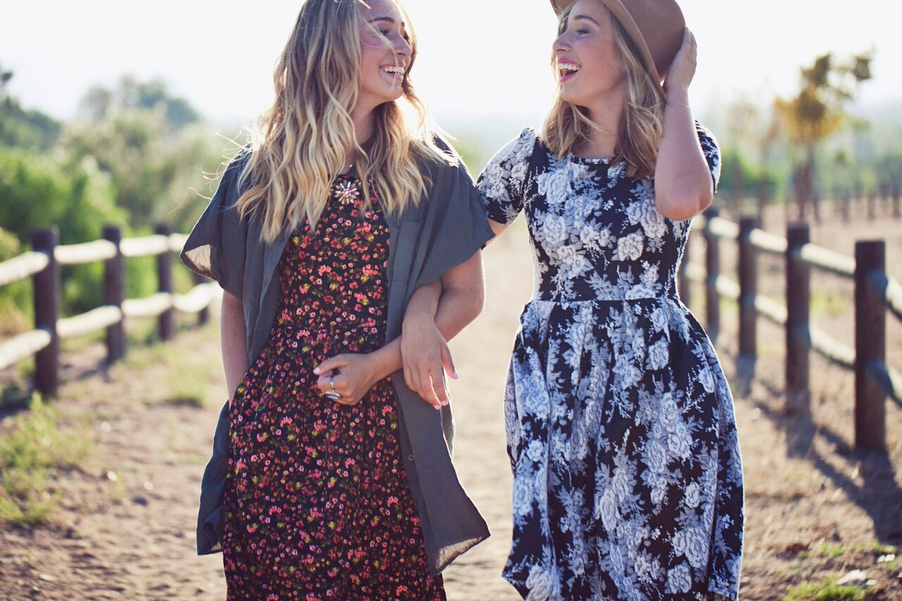 LuLaRoe Dress Shoot with Two Sisters